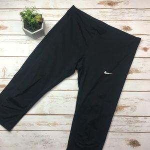 Nike dri-fit black cropped workout leggings L